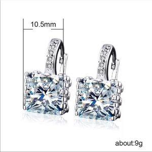 New lady silver white halo diamond stud Earrings